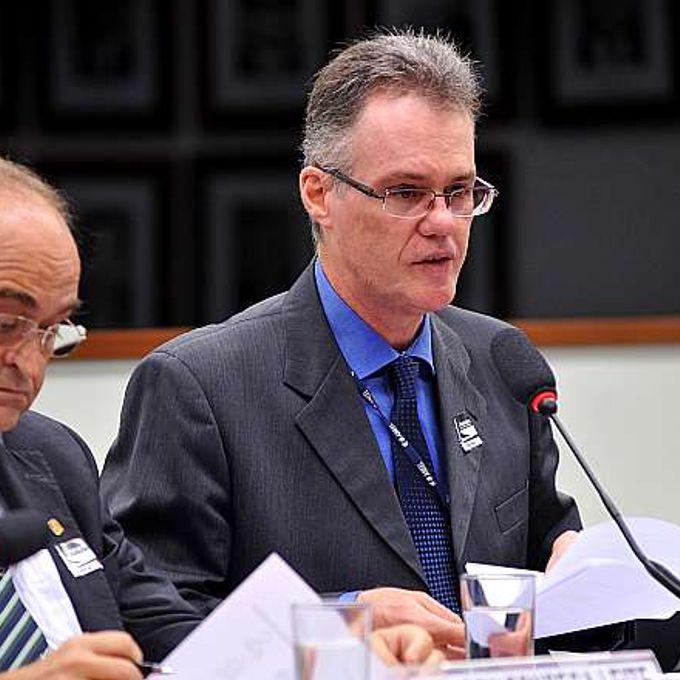 Audiência pública sobre as implicações da aprovação do PDC 10/11, REQ nº 302/14. Superintendente de Regulação Econômica da Agência Nacional de Energia Elétrica (ANEEL), Davi Antunes Lima