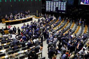 Câmara aprova regras eleitorais e Congresso mantém vetos