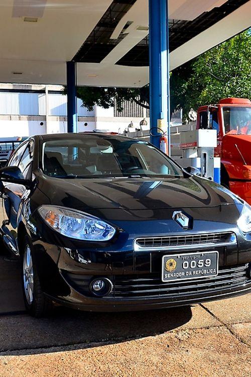 Administração Pública - geral - carro oficial