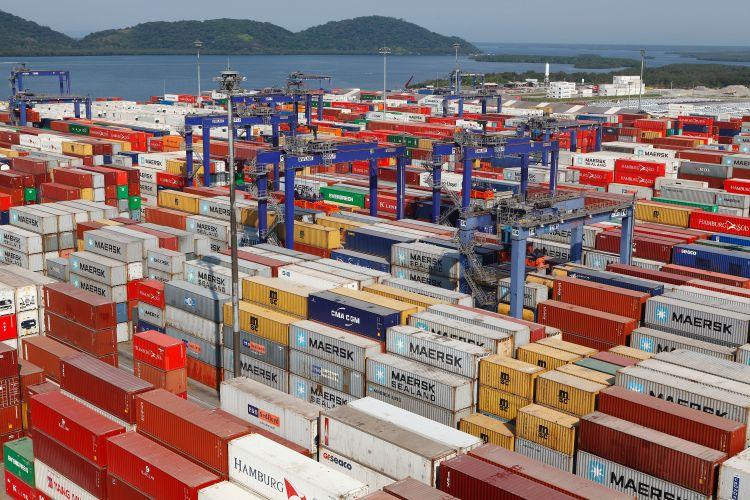 Economia - exportação - exportações portos Paranaguá (PR) cargas exportações