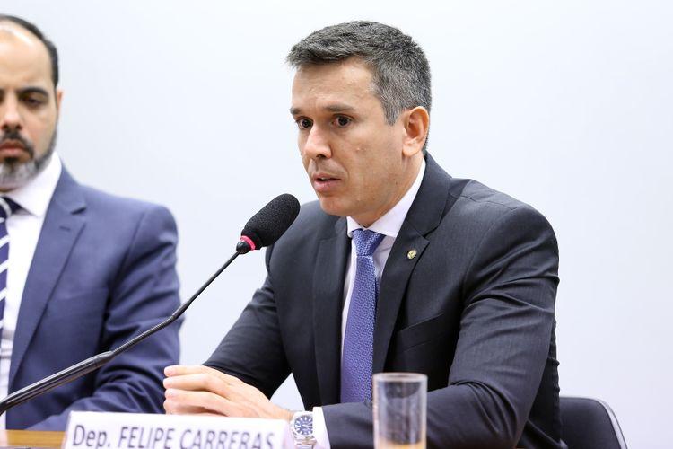 Audiência pública sobre o preço desproporcional das passagens aéreas e medidas para garantir o aumento da concorrência no setor aéreo. Dep. Felipe Carreras (PSB-PE)