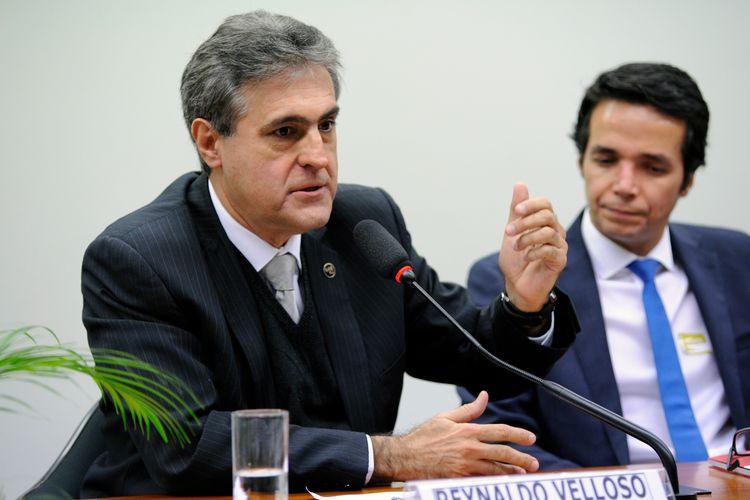 Audiência pública sobre a necessidade de aumento de pena e criação de qualificadoras para o crime de maus tratos aos animais. Presidente da Comissão de Proteção e Defesa dos Animais da OAB/SP, Reinaldo Velloso