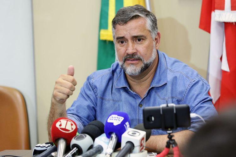 Líder do PT na Câmara, dep. Paulo Pimenta (PT-RS), fala sobre a indicação do juiz Sérgio Moro ao Ministério da Justiça do futuro governo Bolsonaro