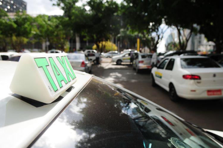 Transporte - táxi
