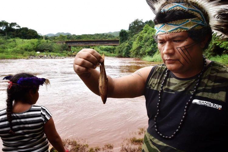 Cidades - catástrofes - rompimento barragem Brumadinho Vale meio ambiente desastres índios mineração poluição rio Paraopeba peixes mortos