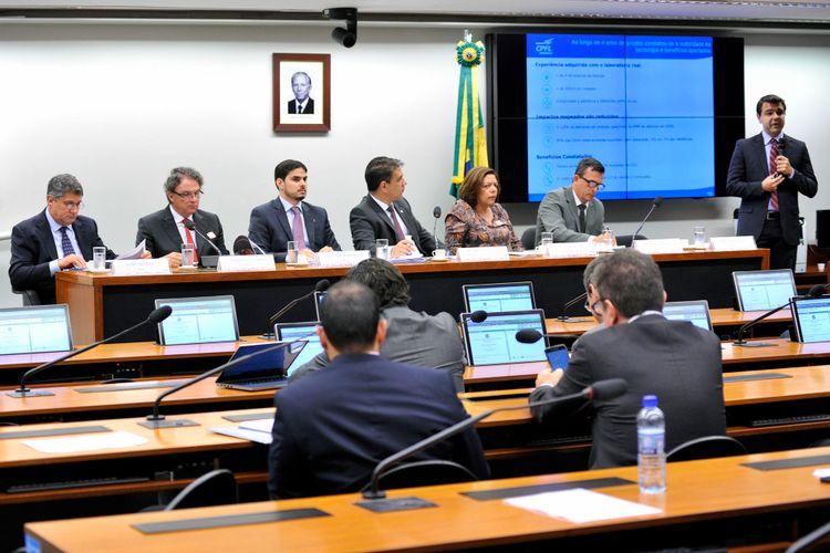 Audiência pública para debater as alternativas para o desenvolvimento do mercado nacional de veículos elétricos