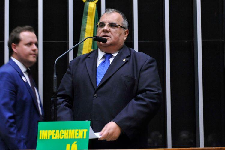 Sessão especial para discussão e votação do parecer do dep. Jovair Arantes (PTB-GO), aprovado em comissão especial, que recomenda a abertura do processo de impeachment da presidente da República - Rômulo Gouveia (PSD-PB)