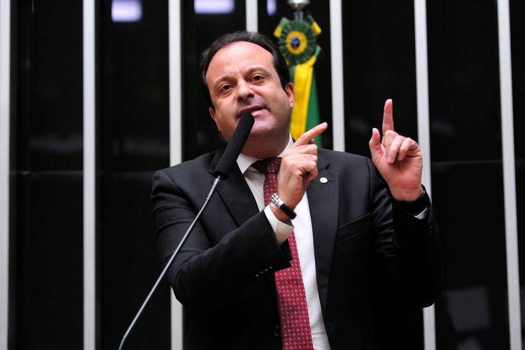 Sessão para análise e votação da Proposta de Emenda à Constituição (PEC) 241/16, que limita as despesas primárias da União ao que foi gasto no ano anterior corrigido pela inflação. Líder do governo André Moura (PSC-SE)