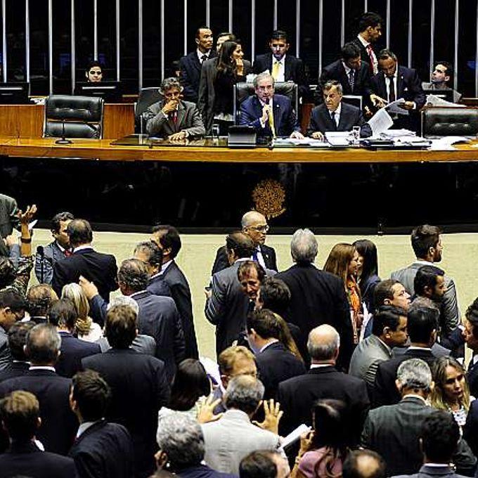 Votação do Projeto de Lei 2447/07, do Senado, que torna lei a Política Nacional de Combate à Desertificação e Mitigação dos Efeitos da Seca e cria a Comissão Nacional de Combate à Desertificação (CNCD)