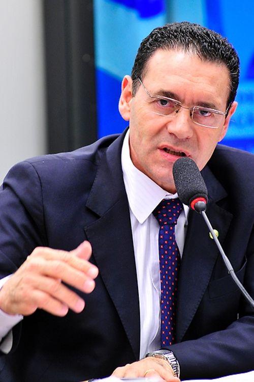 Audiência pública sobre o PL 1407/15, que dispõe sobre a prestação do serviço de telefonia móvel em regime público. Dep. Vitor Lippi (PSDB-SP)
