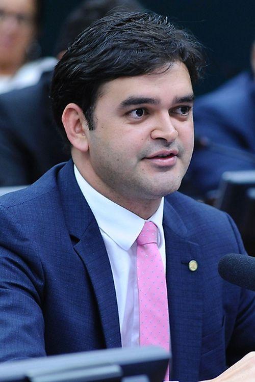 Comissão Especial para análise, estudo e formulação de proposições relacionadas à Reforma Política - Mesa Redonda. Dep. Rubens Pereira Junior (PCdoB-MA)