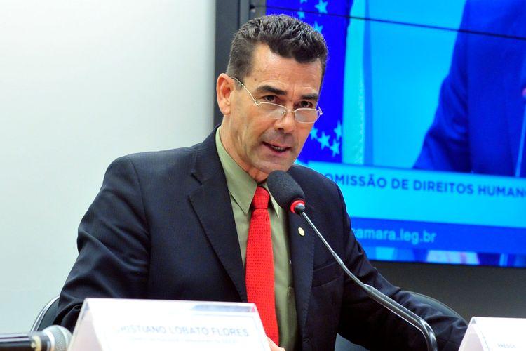 Audiência pública das comissões de Direitos Humanos e Minorias (CDHM) e de Cultura (CCULT) para discutir sobre as violações de direitos humanos de jornalistas. Dep. padre João (PT-MG)