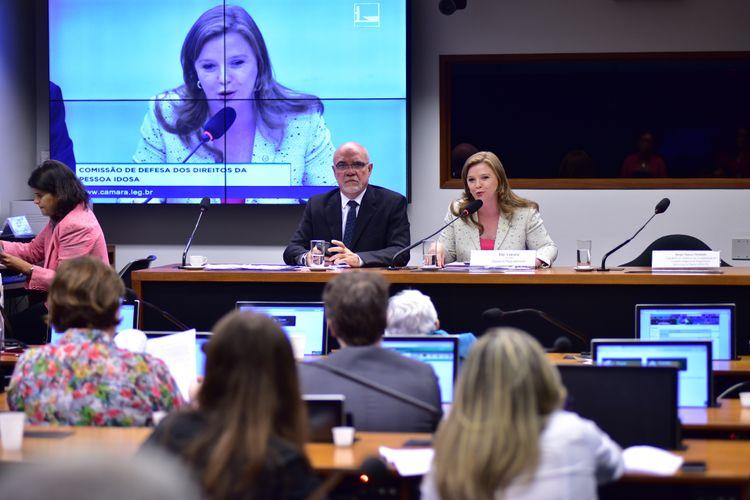 Audiência pública das comissões de Defesa dos Direitos da Pessoa Idosa (CIDOSO) e de Defesa dos Direitos das Pessoas com Deficiência (CPD) para debater a acessibilidade das moradias do Programa Minha Casa, Minha Vida - PMCMV