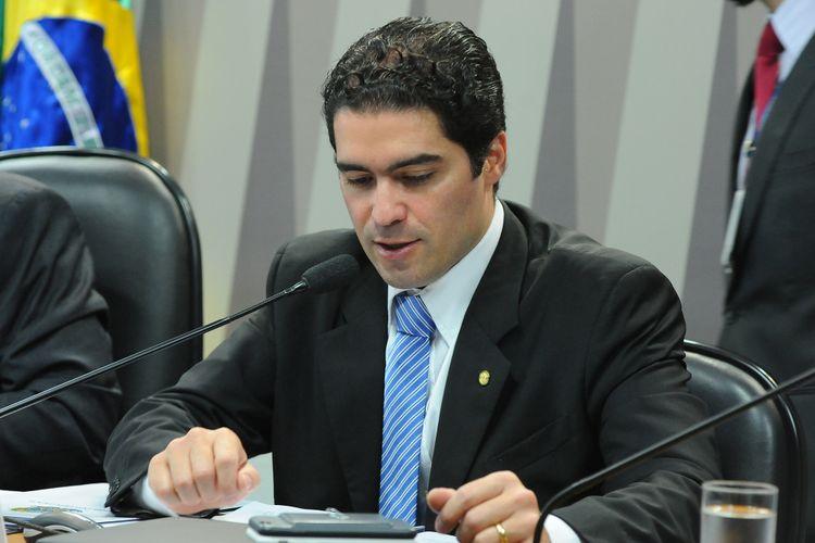 Reunião para apreciação do relatório da Comissão Mista sobre a MP 783/17, que institui o Programa Especial de Regularização Tributária junto à Secretaria da Receita Federal do Brasil e à Procuradoria-Geral da Fazenda Nacional. Dep. Newton Cardoso Jr. (PMDB-MG)