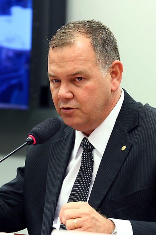 Audiência Pública: O andamento dos processos de regularização fundiária na Amazônia Legal. Dep. Lucio Mosquini( PMDB - RO)