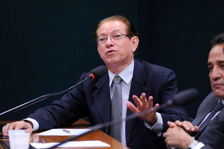 Audiência pública para fazer um balanço de um ano da aplicação da Lei do Futebol, denominada Lei de Responsabilidade Fiscal do Esporte, n.º 13.155, de 4 de agosto de 2015. Dep. Edinho Bez (PMDB-SC)