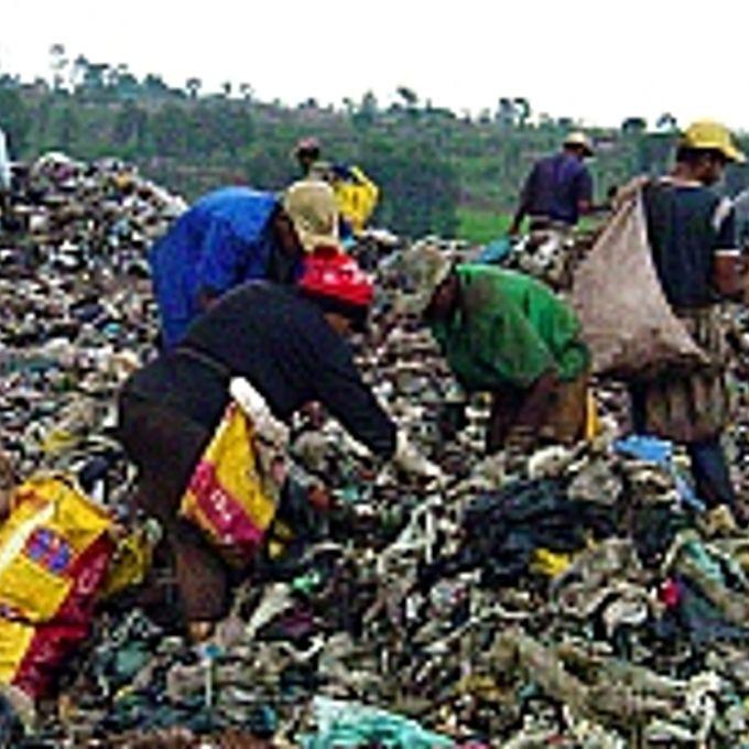 Meio Ambiente - Lixo e reciclagem - Lixão - Catadores de lixo