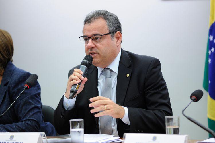 Audiência pública que dispõe sobre o Fundo de Financiamento Estudantil - FIES. Dep. Danilo Cabral (PSB - PE)