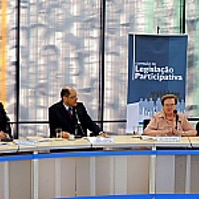 Dep. Paulo Pimenta (ex-pres. da CLP - 2010), dep. Vitor Paulo (pres. da CLP - 2011), dep. Luiza Erundina (ex-pres. da CLP - 2001), dep. Andre de Paula (ex-pres. da CLP- 2004)