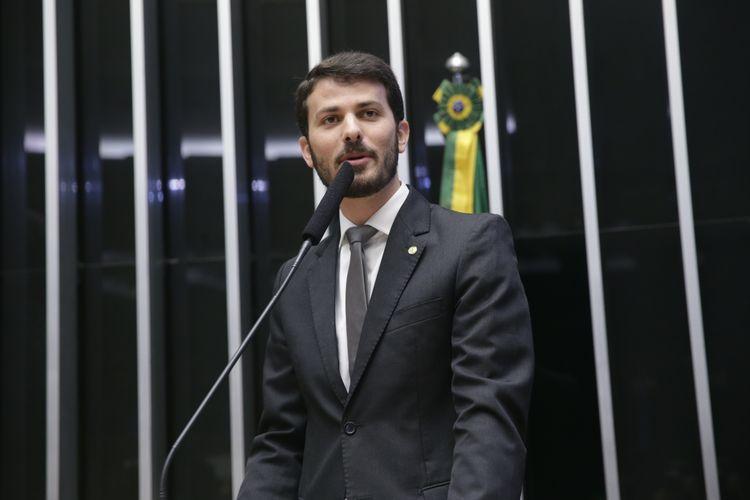 Sessão especial para discussão e votação do parecer do dep. Jovair Arantes (PTB-GO), aprovado em comissão especial, que recomenda a abertura do processo de impeachment da presidente da República - Dep. Marcelo Aro (PHS/MG)