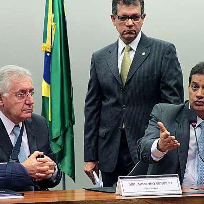 C.E que altera o estatuto da microempresa (PLP 221/12). Ministro da Micro e Pequena Empresa, Afif Domingos Dep. Armando Virgilio (SDD-GO)